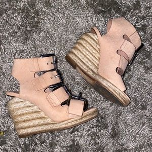 💰⬇️🤎Alexander Wang Wedge